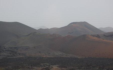 Volcanes por doquier en el parque del Timanfaya