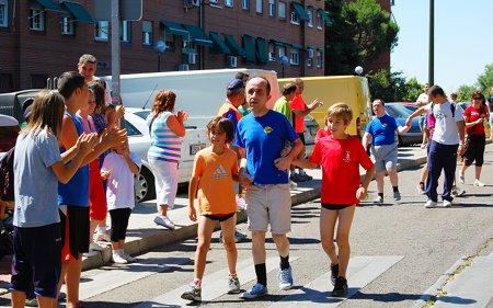 Carrera para discapacitados en el barrio del Zofío