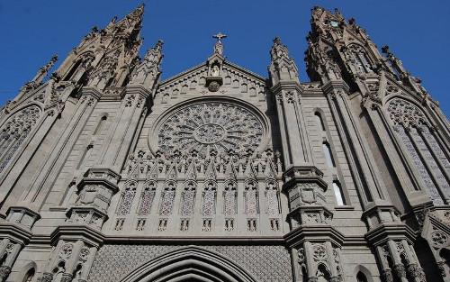 gc-catedral-negra